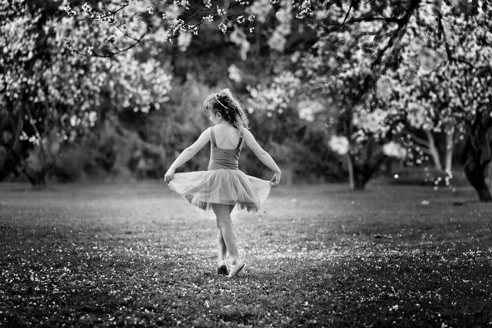 Dancing-amongst-the-blossoms-1000px